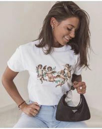 Дамска тениска в бяло с интересен принт - код 580