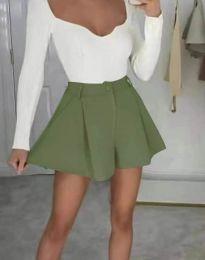 Атрактивни къси панталони в маслено зелено - код 1455